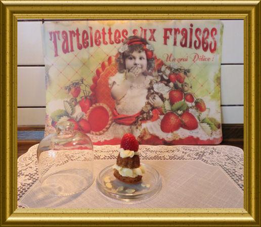 Mini-Erdbeer-Guglhupf