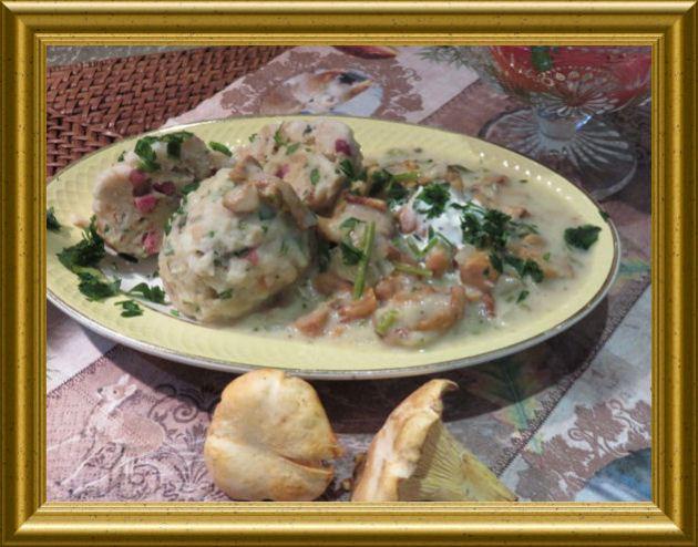 Pilzsuppe und Speckknödel aus der Taraland Lehrküche