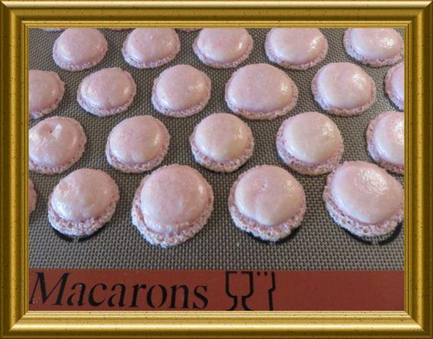 Rosa-Macarons-mit-Limettencreme 3