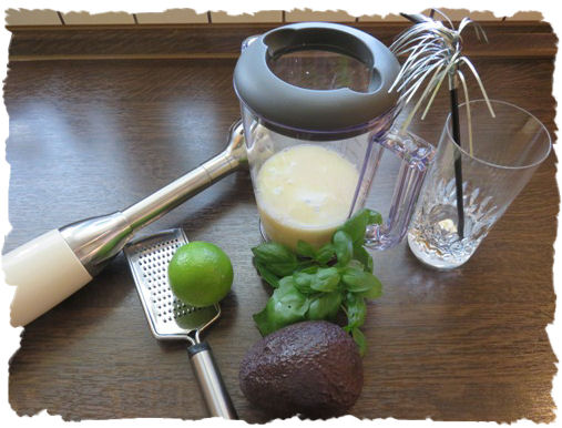 Avocado-Basilikum Smoothie (2)