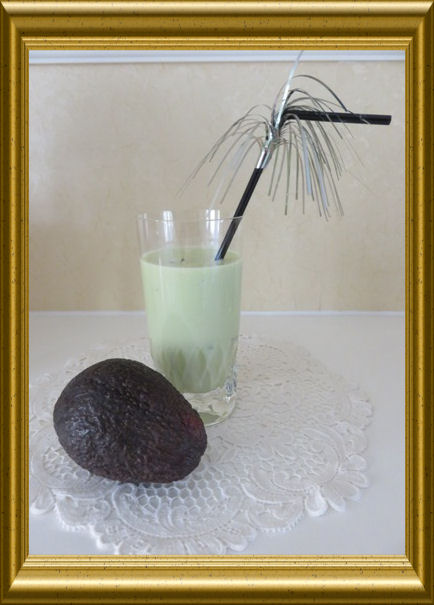Avocado-Basilikum Smoothie