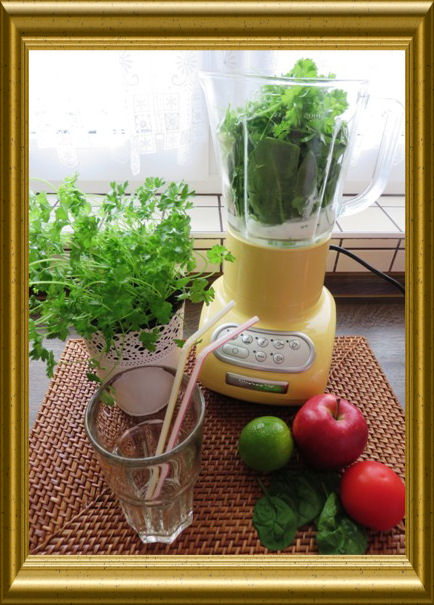 Spinat-Apfel-Smoothie aus der Taraland Lehrküche