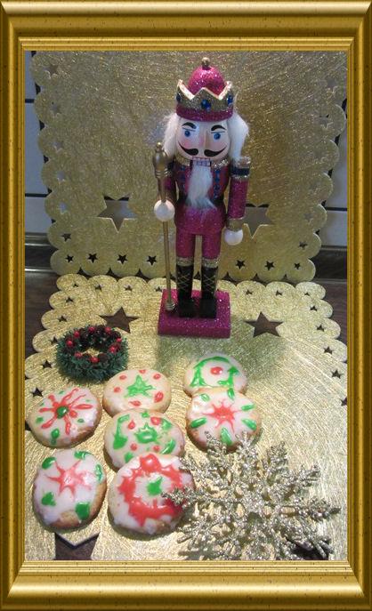 Adventstaler mit Zuckerguss aus der Taraland Lehrküche