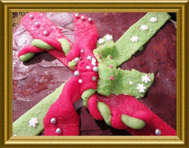 Weihnachtskuchen als Geschenk verpackt aus der Taraland Lehrküche