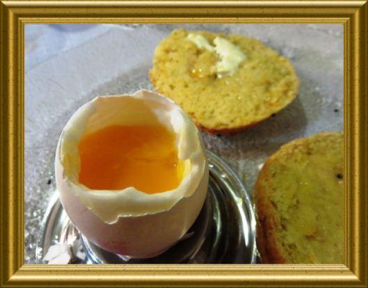 Eier kochen in der Lehrküche Taraland