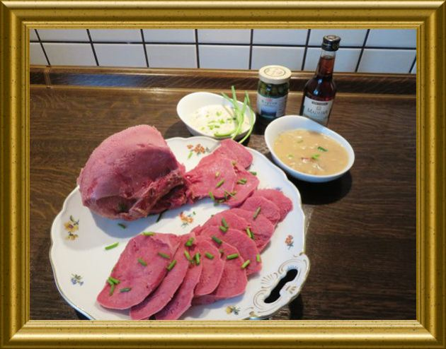 Rinderzunge, gepöckelt mit vier Saucenvarianten aus der Taraland Lehrküche