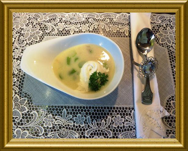 Spargelcémesuppe aus der Taraland Lehrküche