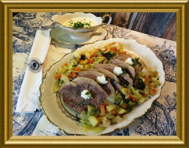 Tafelspitz mit Meerrettich-Sahne-Sauce zu Bouilliongemüse aus der Taraland Lehrküche
