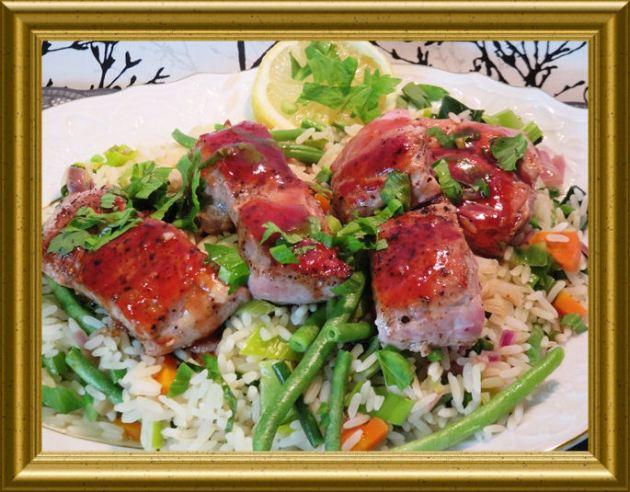 Glasierte Schweinefilets m. BBQ Sauce u. Gemüse-Reis aus der Taraland Lehrküche