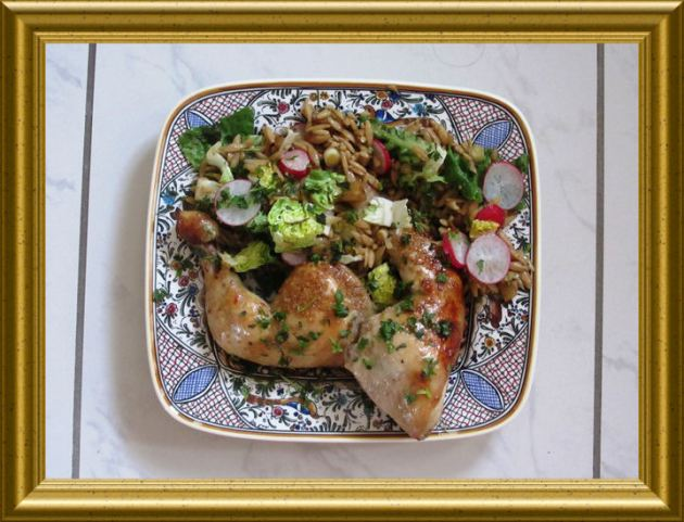 Glasiertes Sesamhuhn mit Reisnudelsalat aus der Taraland Lehrküche