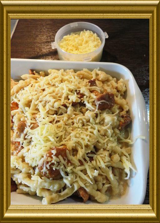 Pfifferling-Knöpfli-Gratinaus der Taraland Lehrküche