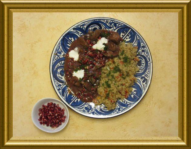 Georgischer CousCous mit Paprika und Rinderleber in Rotweinsauce mit Garanatapfel aus der Taraland Lehrküche