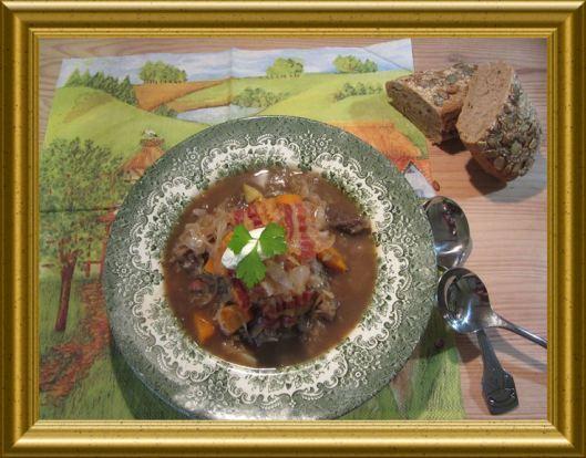 Krauttopf mit Ochsenschwanz aus der Taraland Lehrküche