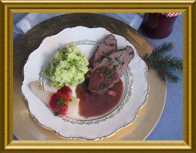 Hirschkeule mit Lebkuchensauce aus der Taraland Lehrküche