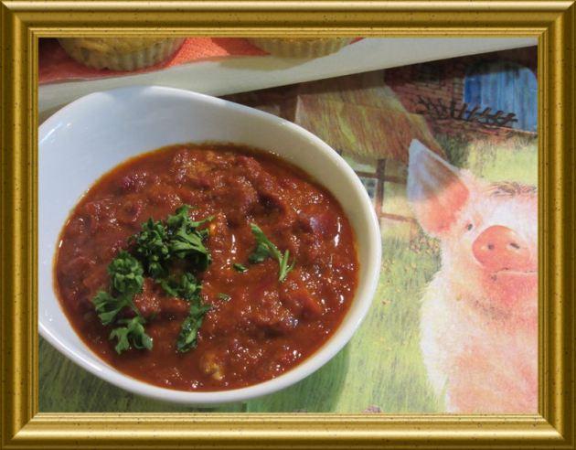 Scharfer Tomaten Dip zu Kürbisküchlein aus der Taraland Lehrküche